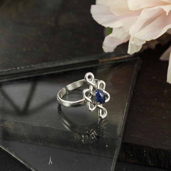 Anillo zafiro  celta  anillo de compromiso  hecho a mano