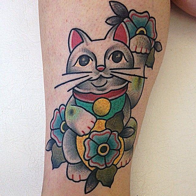 best 20 lucky cat tattoo ideas on pinterest maneki neko lucky symbols and lucky meaning. Black Bedroom Furniture Sets. Home Design Ideas