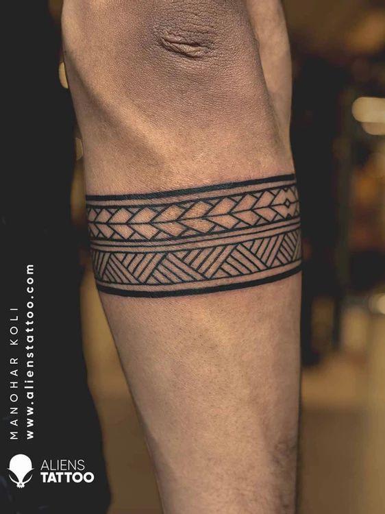 Band Tattoos For Men, Forearm Band Tattoos, Wrist Tattoos For Guys, Upper Arm Tattoos, Hand Tattoos, Small Tattoos, Tribal Armband Tattoo, Tribal Tattoos, Geometric Tattoos