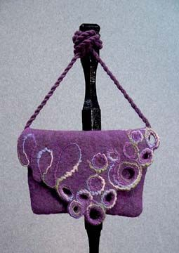 Felted bag - Illinois (Chicago Suburb) / Art gallery including classes in Fiber, Weaving Classes Chicago Illinois (IL), Fused Glass Class, lampwork / flamework / torchwork glass bead making classes / education / instruction Chicago Illino