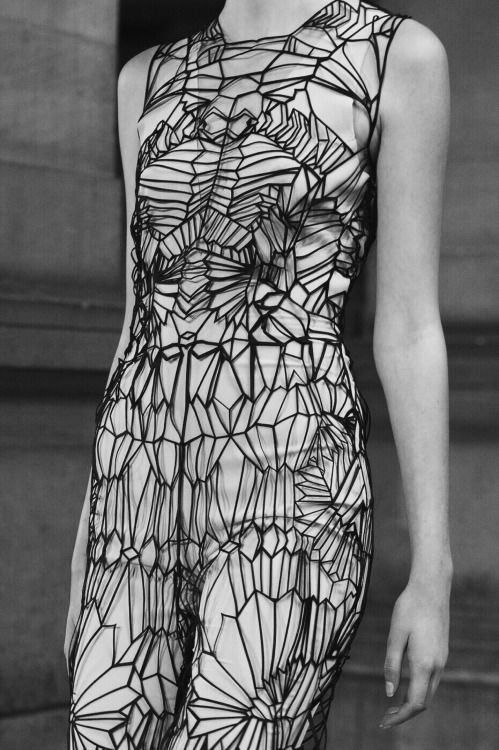 Graphic pattern dress; geometric fashion details // Iris Van Herpen Spring 2016