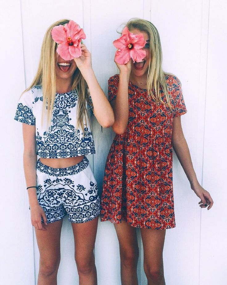 cool love the prints... from http://www.fashionexpert.pw/fashion-photography-summer/love-the-prints/