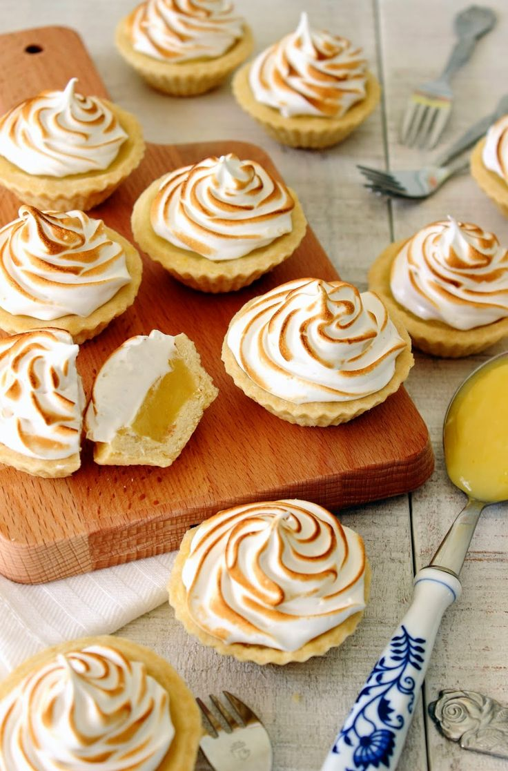 Mini citroen meringue taartjes