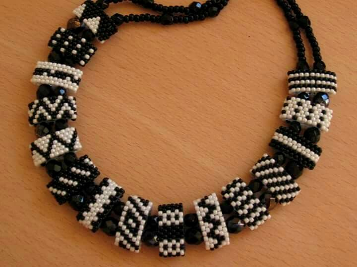 Pin By Anita Iverson On Carrier Beads Beaded Jewelry Designs Beaded Jewelry Beaded Necklace