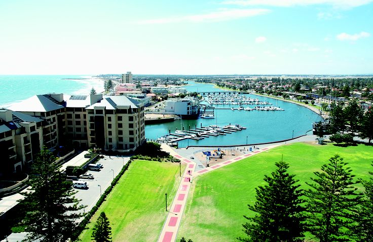 Oaks Hotels & Resorts supports Sunday Mail City-Bay Fun Run with South Australian 'mates rates' http://www.oakshotelsresorts.com/city-bay-fun-run-sa-pr/