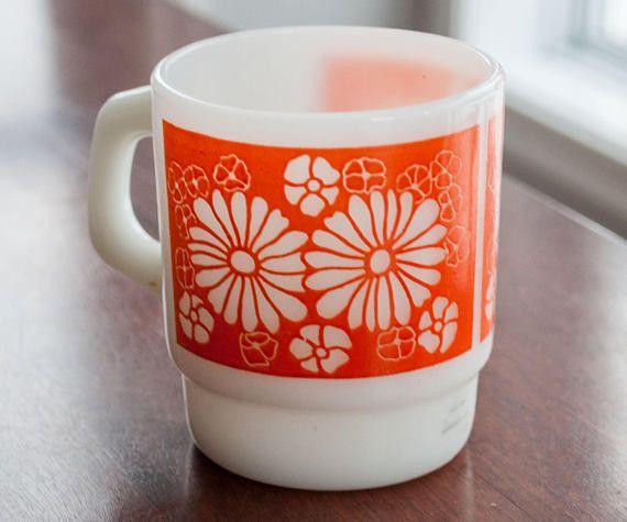 Vintage mug FireKing/Anchor hocking with orange flower pattern