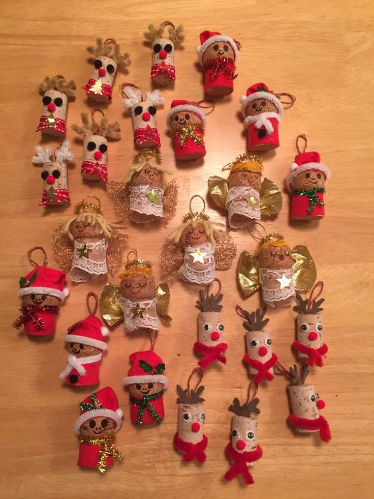 Champagne & wine cork decorations I made for local Christmas fair charity stall.