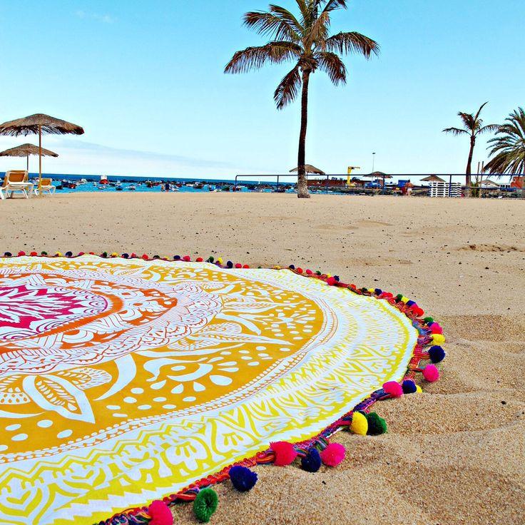 toalla redonda playa,  toalla amarilla, toalla mandala, tootats, toalla con pompones
