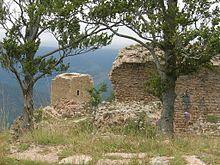 Cabrenç o Torres de Cabrenç [1] (Tours de Cabrens o Tours de Cabrenç en francès) és una fortificació ara força enrunada al terme municipal de Serrallonga (Vallespir), just a l'abrupte cresta que fa de partió amb la comuna de la Menera.