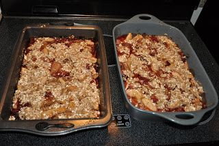 A Sophisticated Mommy: Yummy Apple, Strawberry and Rhubarb Crisp