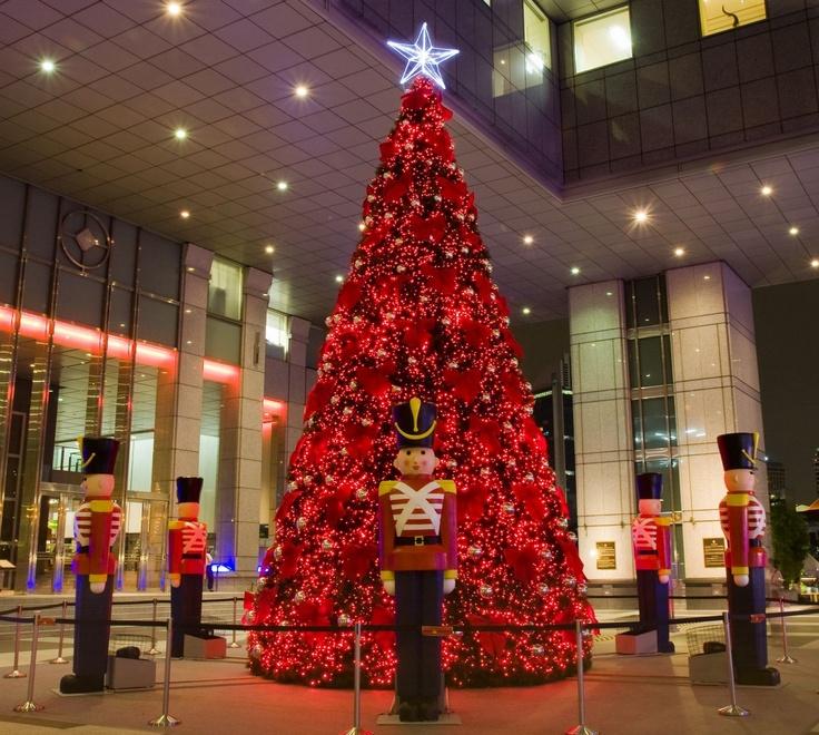 uob christmas tree on Fotopedia
