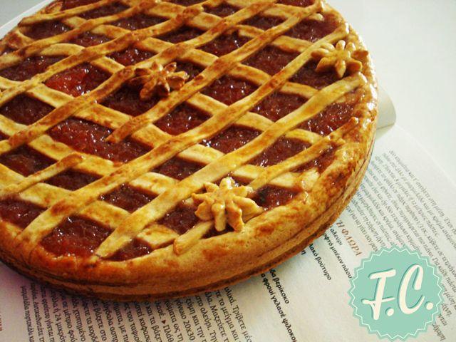 Πάστα Φλώρα, PastaFrola By Ευα Μονοχαρη Published: Οκτωβρίου 25, 2013Απόδοση: 1 τάρτα (8-10 Μερίδες)Προετοιμασία: 1 ώρα 30 λεπτάΜαγείρεμα: 40 λεπτάΈτοιμο σε: 2