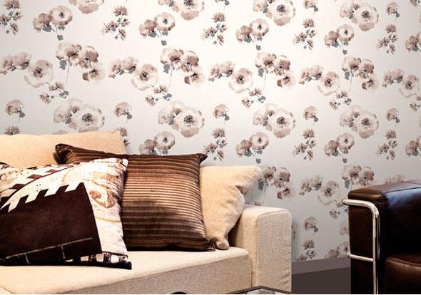 Pared de salón con papel pintado de la colección Emotion de Grandeco