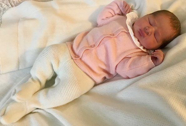 First picture of Sweden's Newborn Princess Was Released