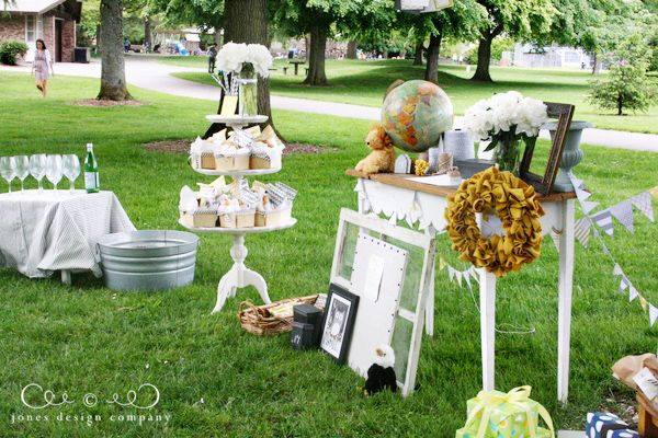 """picnic in the park {baby shower}""~I lobe everything about this blog and I love this idea.  Especially the food idea, putting things you can eat without utensils in little baskets for people to pick up.  No plates needed."