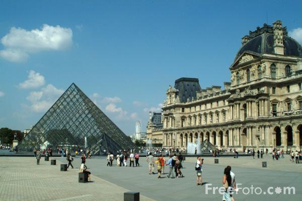 Louvre, Paris, France: Travel Memories, The Louvre, Favorite Places, Paris Louvre, Paris France French, Beautiful Country, Le Louvre, Louvre Paris, Accommodati Parijs
