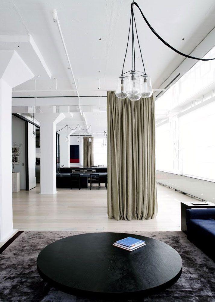 Tribeca Loft By Fearon Hay Architects   http://www.yatzer.com/Tribeca-Loft-By-Fearon-Hay-Architects. Rideau separatif. loft