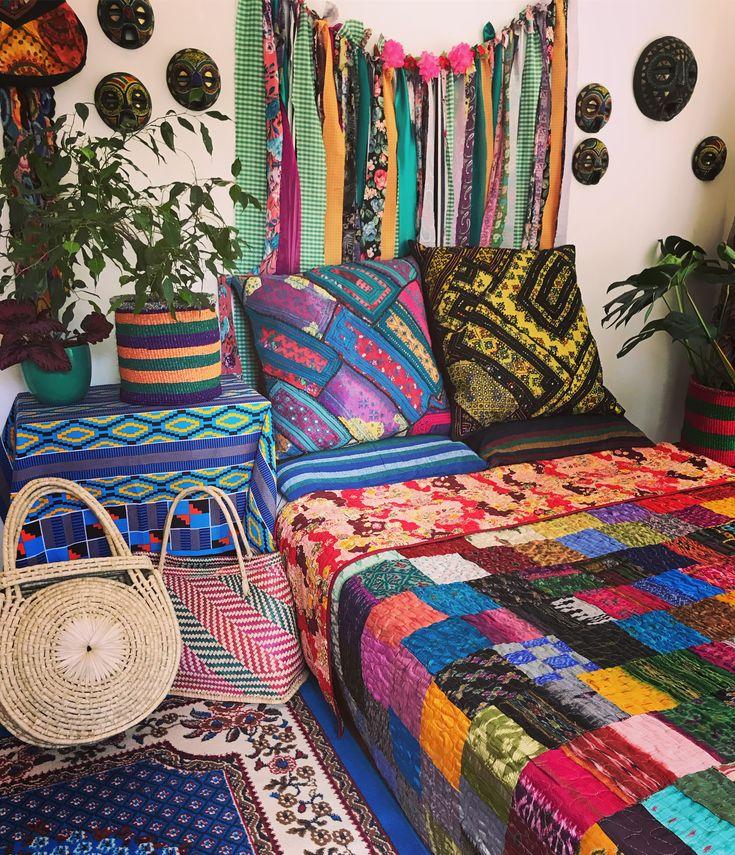 Rainbow Room #bohointeriors #gypseydecor #bohoglam #boho #bohemianstyle #bohostyle #beautifullyboho #ihavethisthingwithcolour #ihavethisthingwithtextiles #gypseyset #makeityours #inmydomain #bohochic #electichome #eclecticdecor #maximalism #myhomevibe #planteriordesign #myhyggehome