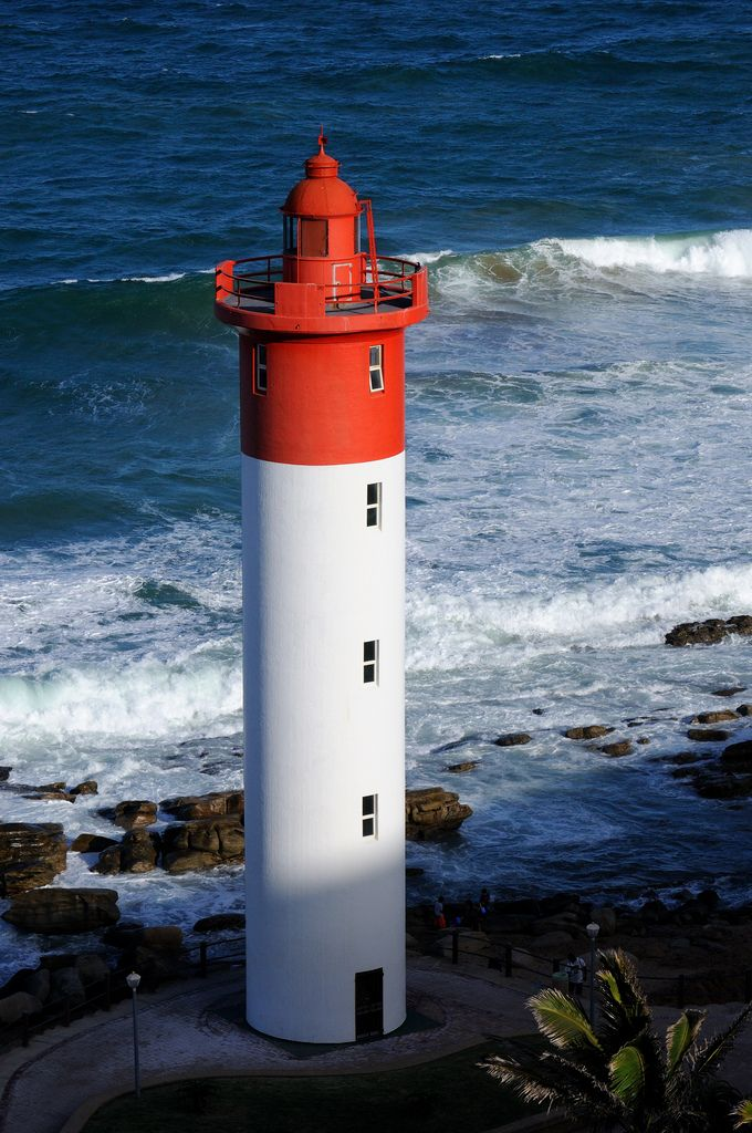 Umhlanga Rocks Lighthouse (by johnaalex)