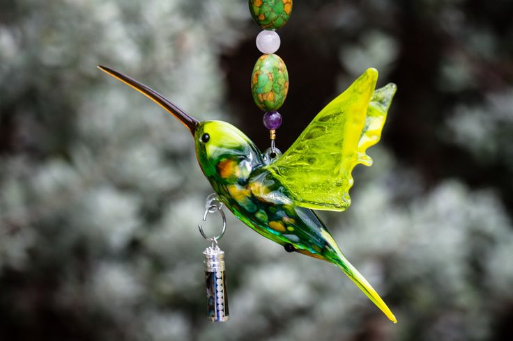 Ashes in Glass Art - Glass Hummingbird with Silver Pendant for Ashes