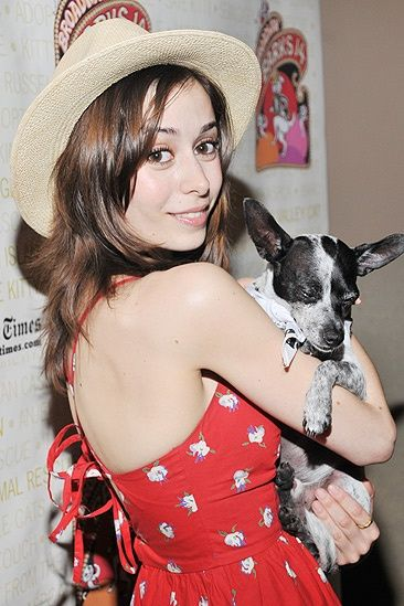 Cristin Milioti Kids , remember that hat of your mother ???