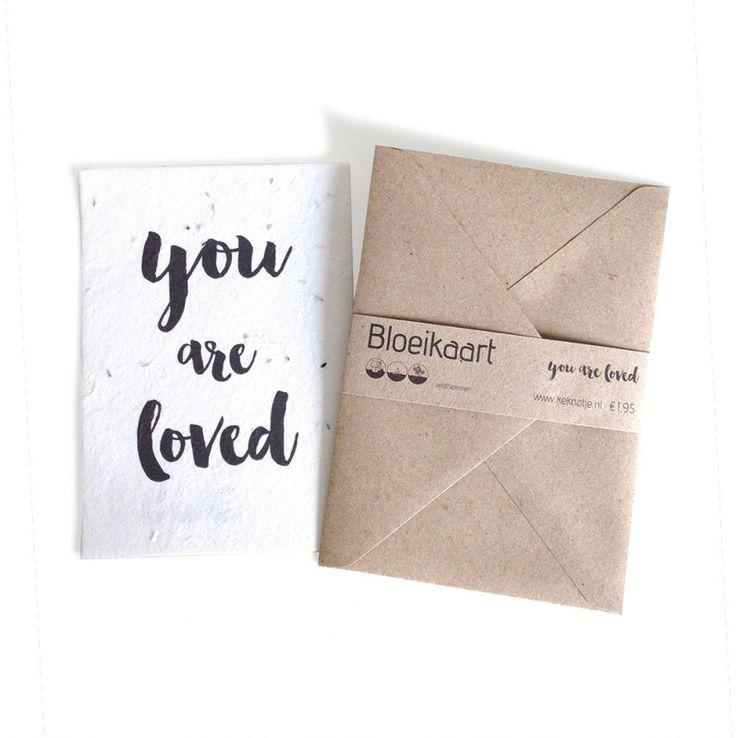 Bloeikaart Live Love Grow Stuur een bloemetje per post!  In deze kaart zijn klaprooszaadjes verwerkt. Bedek met een dun laagje aarde en houd dit vochtig tot de zaadjes beginnen te kiemen.   Op de achterkant van de kaart staat een duidelijke instructie vo - € 1,95