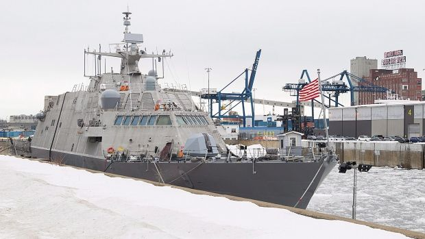 New US warship trapped in Montreal by heavy ice - CTV News