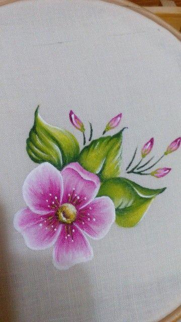 Fiore rosa per presina