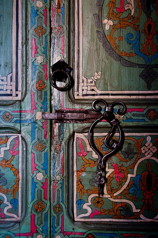 A close-up view of the inside of a hotel room door at the Casa Hasan riad hotel in Chefchaouen, Morocco | ©Mark Fischer