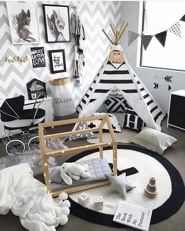 bildet tilhører/picture belongs to:  @hudson_and_harlow ✨ #barneromsinspirasjon #inspo #inspirasjon #inspiration #barn #love #kids #nursery #playful #childrensroom #kidsinterior #decoration #play #interior #knit #details #outfit #toys #cute #girl #boy #colorful #photooftheday #mostliked #Amazing #fashion #cool #rooms #baby