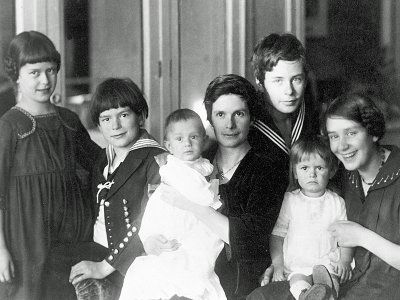 Katia Mann and her six children in 1919