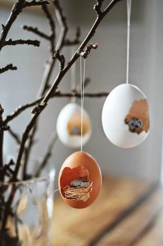 DELICADEZA | Uma nova versão para enfeitar a árvore de Páscoa com casquinhas de ovo. Olha como fica delicado! #inspiracao #decoracao #pascoa #DIY #SpenglerDecor