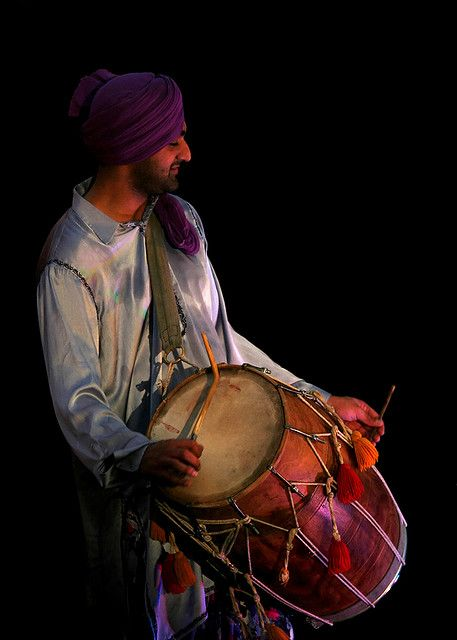 We are the best Dhol Players in London and all over the world for Party and events