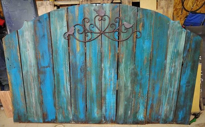 Headboards Made from Pallets | 101 Pallet Ideas