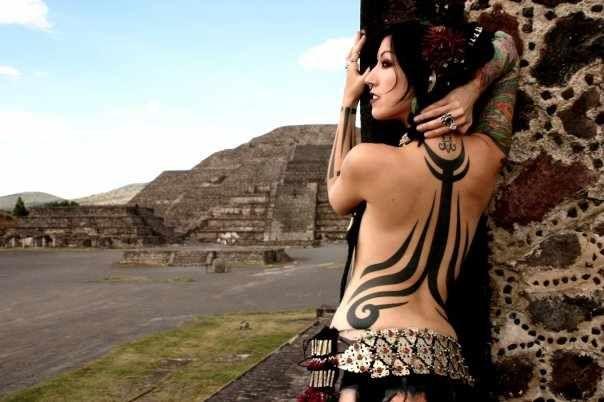 Bellydancers, Snake Charmers: La Danza del Vientre Tribal | Portal de Moda, Desfiles, Tendencias fashion, Diseñadores