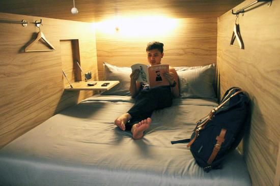 make capsule hotel beds - Buscar con Google