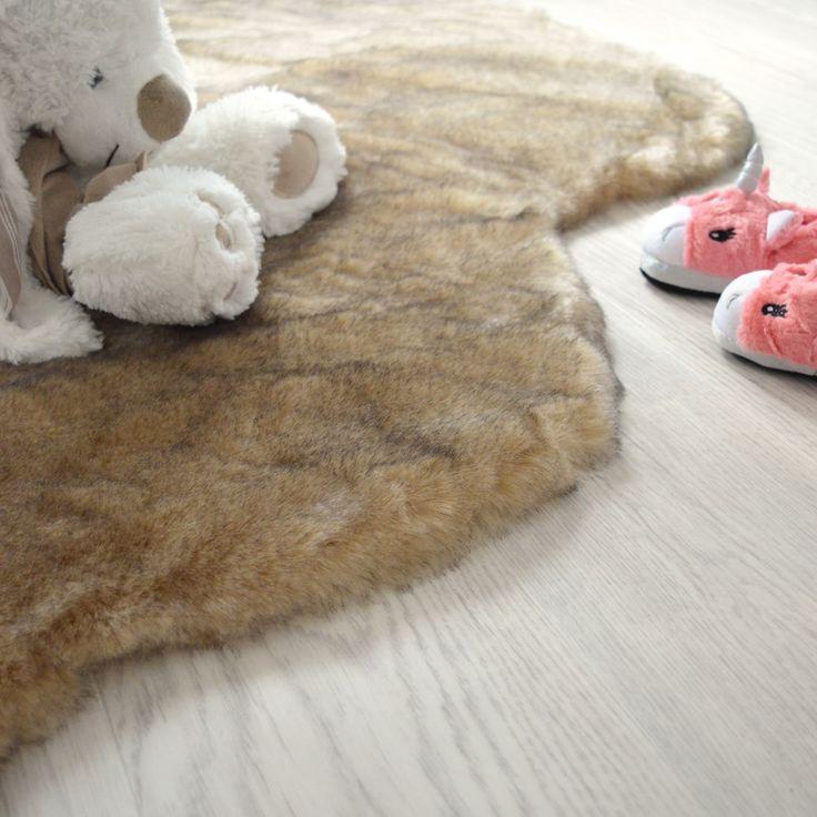 les 25 meilleures id es de la cat gorie tapis imitation. Black Bedroom Furniture Sets. Home Design Ideas