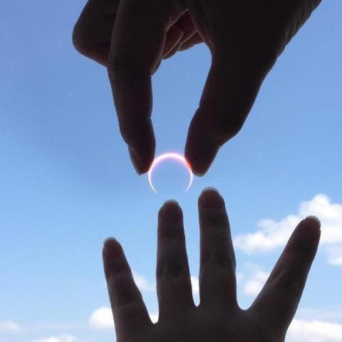 お陽さまとお月さまの結婚    金環日食