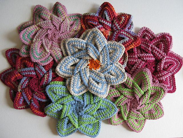 Crochet Flower Hot Pads.Crochet Flowers, Crochet Hot Pads, Crochet Potholders, Free Crochet, Crochet Free Pattern, Crochet Gift, Flower Hotpads, Crochet Patterns, Flower Crochet