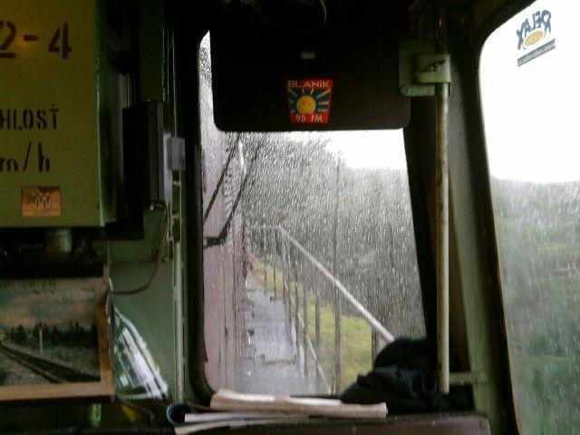 Rain from the cabin of Bangladéška locomotive