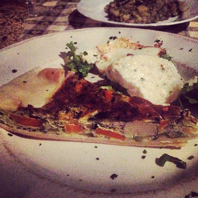 Secondo #vegetariano con torta salata e formaggio caprino - Agriturismo Il Melo Innamorato in Friuli - Leggi la recensione: http://prenotaperdue.com/agriturismi/51-il-melo-innamorato-ristorante-agriturismo-prezzi-recensione-udine.html