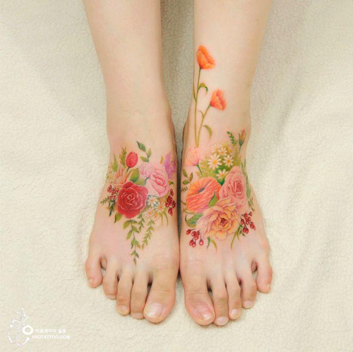 Existeuma grande discussão sobre a durabilidade de tatuagens sem o tradicional contorno feito com tinta preta, mas os artistas do estúdio coreano Aro Tatoo apostam na tattoo feita sem esse artifício. O resultado é bem bonito, dá uma olhada: