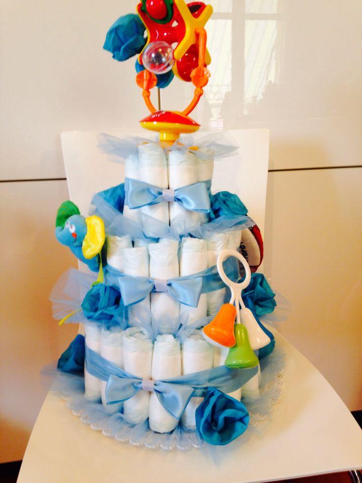 Torta pannolini su prenotazione azzurra