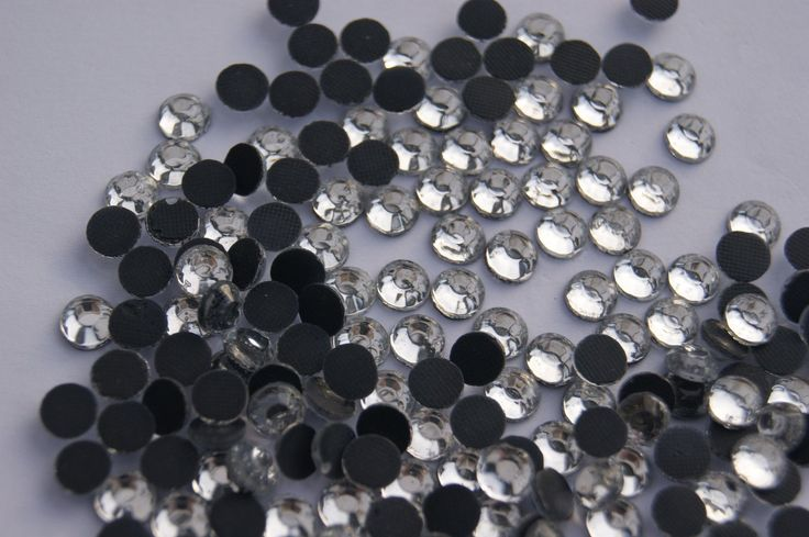 Lot de 20  Strass Thermocollant 6mm blanc brillant cristal couture,mercerie,scrapbooking,broderie