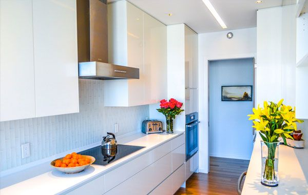 10 Ways to Add Color And Personality to a Neutral Kitchen