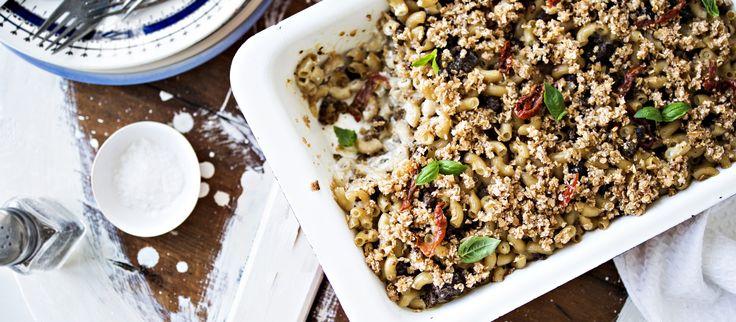 Koko perheen suosikkiruoka onnistuu myös täysin vegaanisena. Vegaanin makaronilaatikko valmistuu helposti kypsästä härkäpapuvalmisteesta.