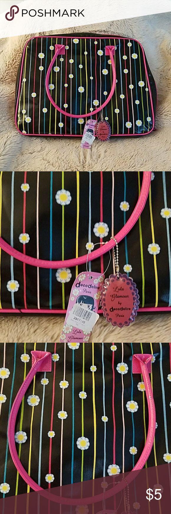 I just added this listing on Poshmark: Decodelire Flower Printed Lightweight Laptop Case. #shopmycloset #poshmark #fashion #shopping #style #forsale #decodelire #Handbags