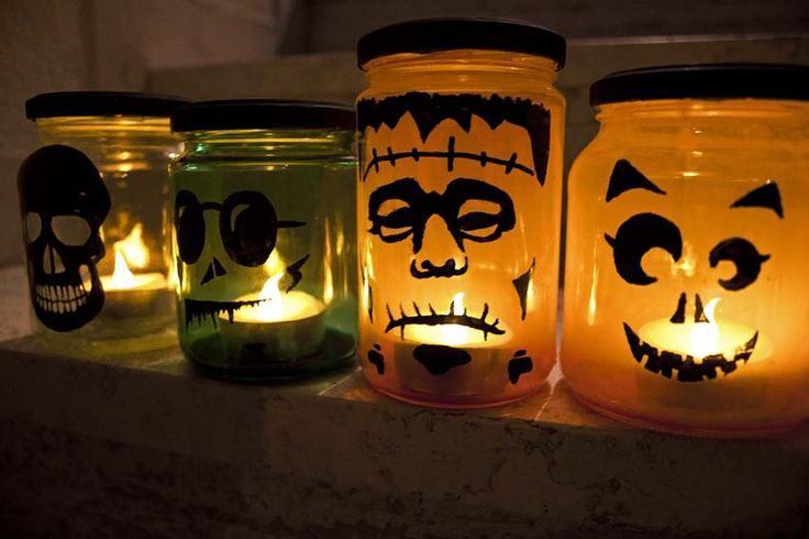 #tutorial: lanterne di #Halloween con vasetti riciclati. #lanterns #craft #diy #halloween #ideas #recycle