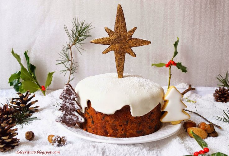 Christmas Cake Decoration With Fruit And Nuts : 14 best images about Christmas on Pinterest Dried fruit ...