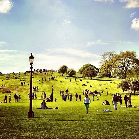Primrose Hill - Regent Park Tube. Walk through the park, take your picknick. BEAUTIFUL view. Walk from here to Camden in 10 minutes or so.